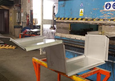 Tapasa DIES AND PUNCHES ALLOW THE MANUFACTURE OF ALL TYPES OF SHEETS
